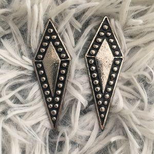 Jewelry - Silver geometric stud earrings